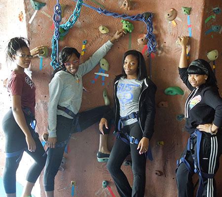 Rock-Climbing-Girls